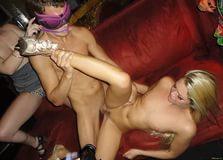 Секс на девичнике в клубе смотреть онлайн фото 12-518